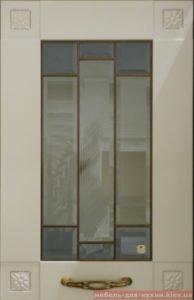 кухонный фасад с граненным стеклом
