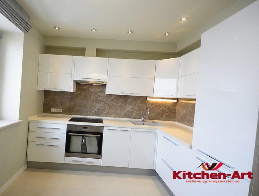 угловая кухня  из дспбелого цвета