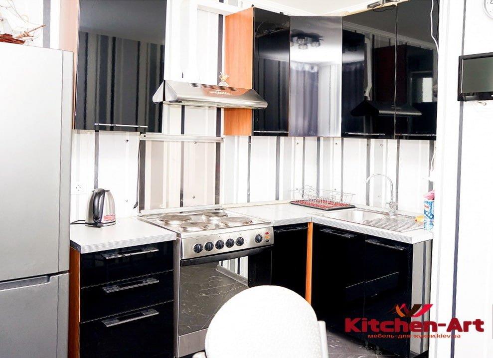 угловая кухня черная