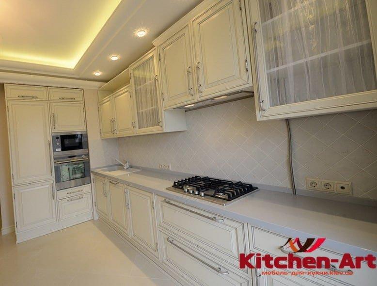 біла пряма сучасна кухня