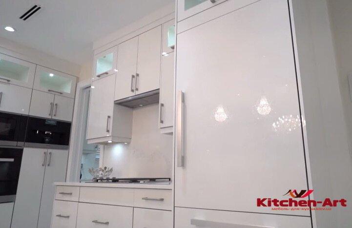 п образная кухня белого цвета