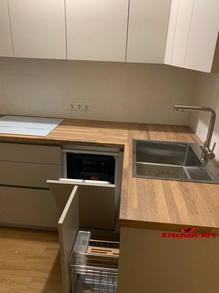 кухня эконом угловая с деревянной столешницей фото