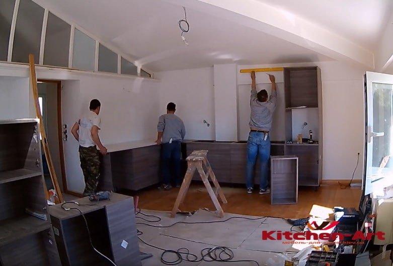 мастера сборки кухни