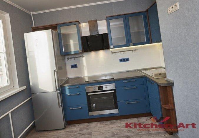 угловая кухня голубого цвета на заказ