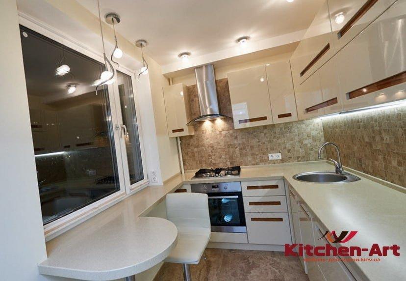 кухня с рабочим подокойником