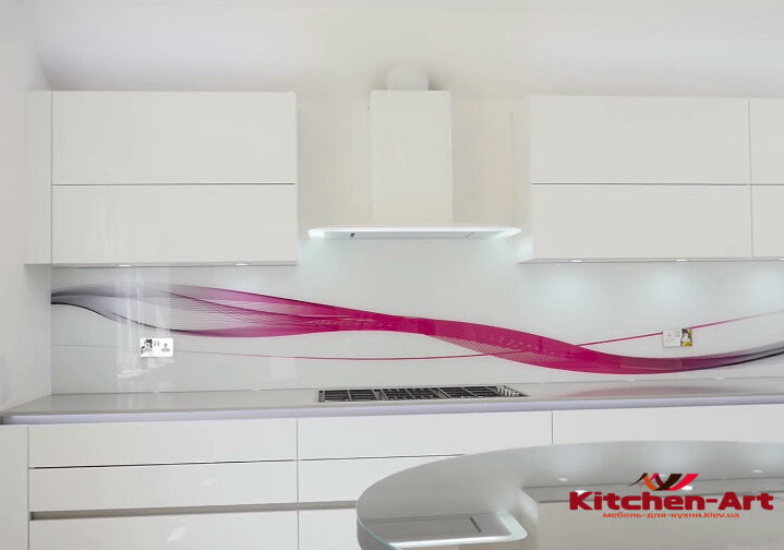 Кухонные фартуки из стекла