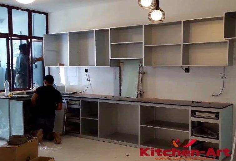 как устанавливают встроенную кухонную мебель