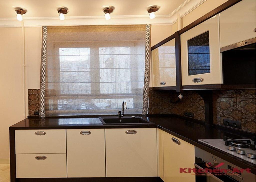 кухонная мебель возле подокойника из дсп