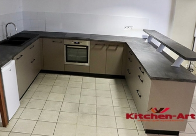 кухня с бетонной столешницей