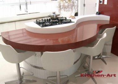 красная радиусная кухня