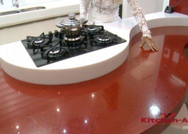 красная радиусная кухня на заказ