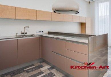 глянцевая угловая кухонная мебель