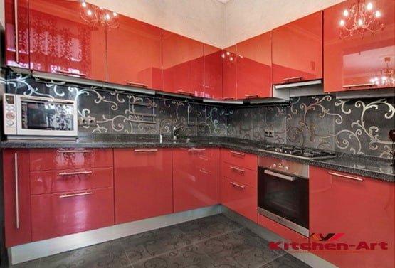 красная кухня уговая