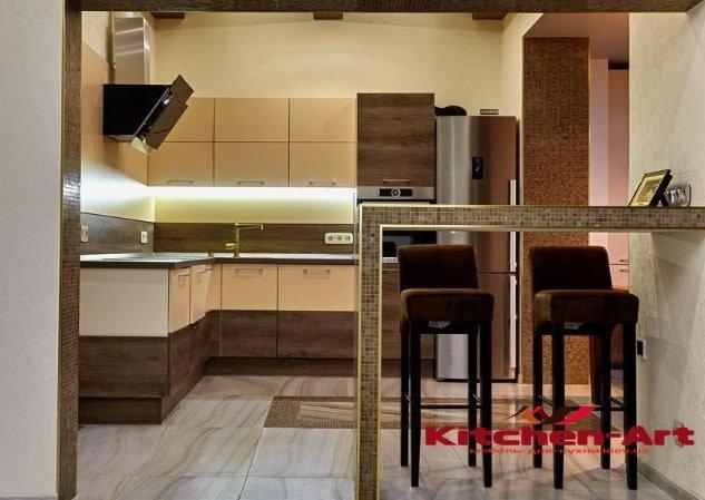 угловая кухня с каменной столешницей на заказ со столом