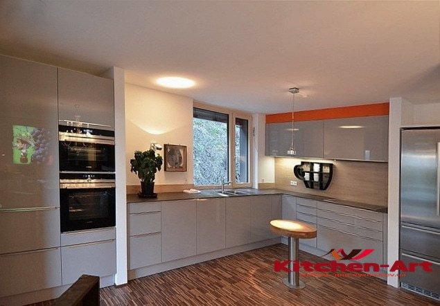 красивая кухонная мебель Вишневое