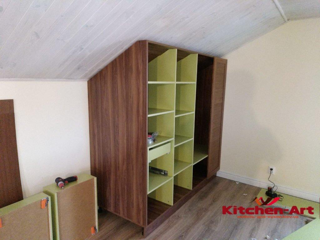 изготовление мебели на заказ на чердак