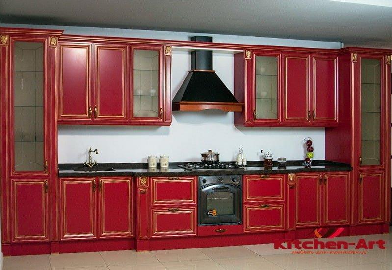деревянная заказная кухня красного цвета