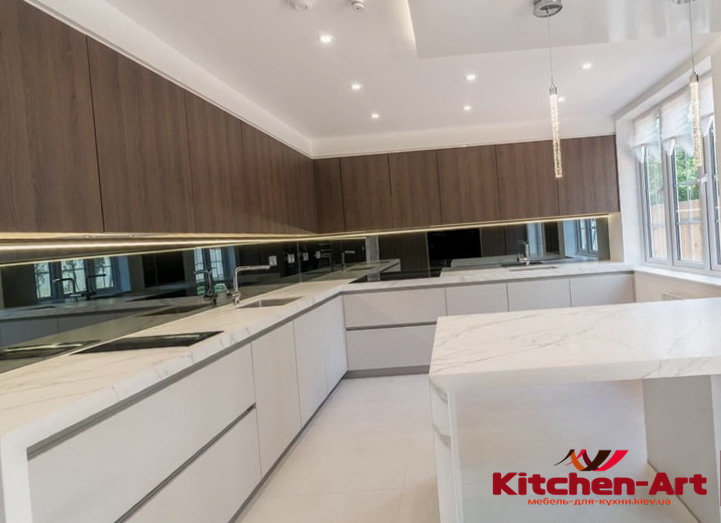 кухня с фасадами с пленочными мдф фасадами