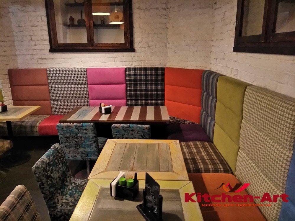Угловой диван в ресторан под заказ