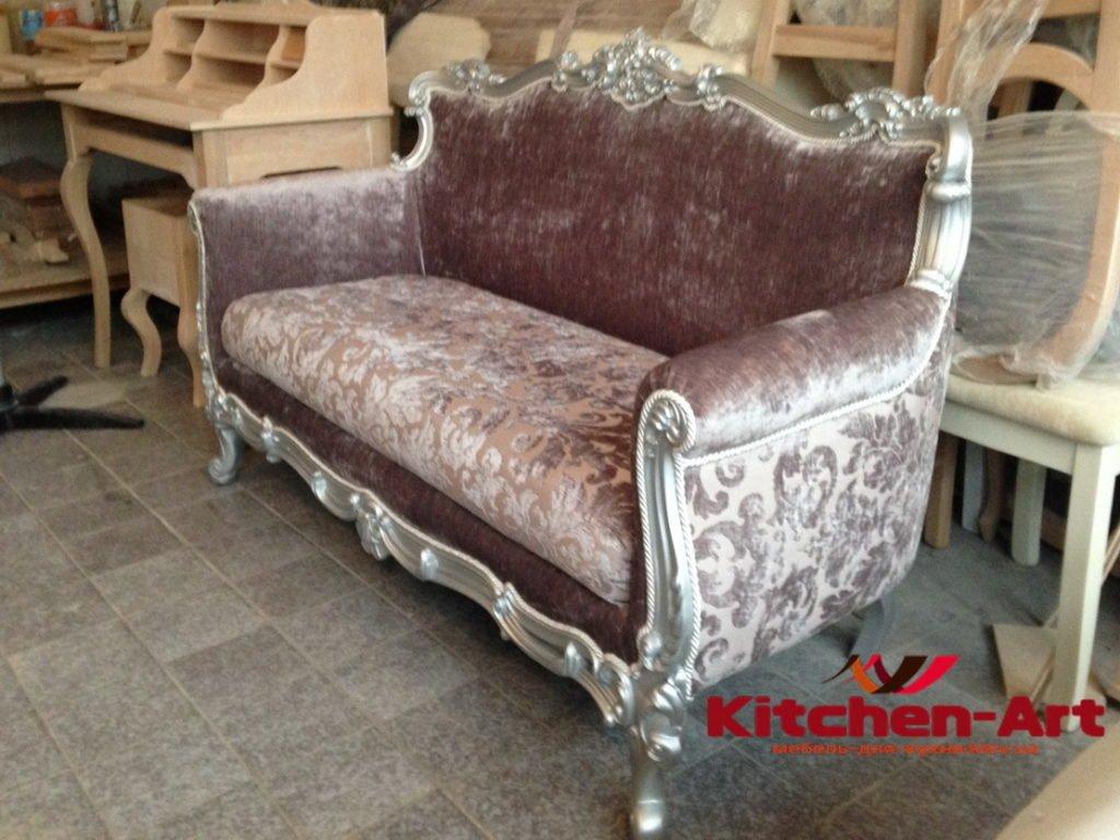 Прямой классический диван