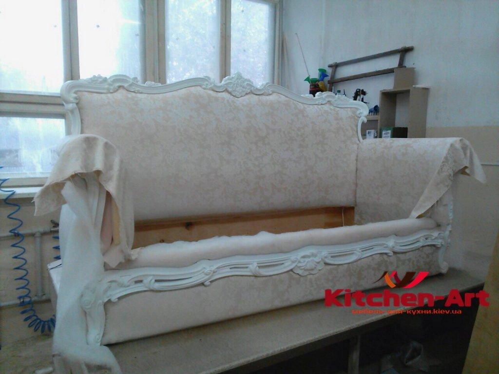 Большой диван со спальным местом под заказ