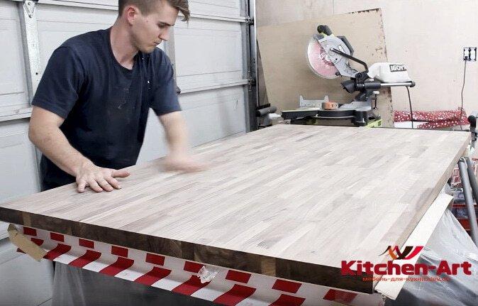 установка деревянной столешницы кухонно