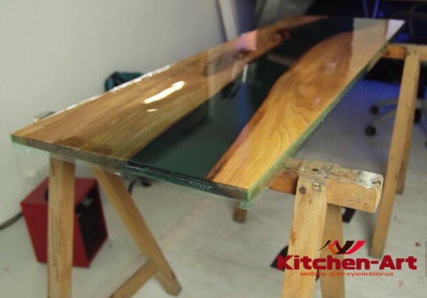 Столы с Эпоксидной Смолой на Заказ от Производителя