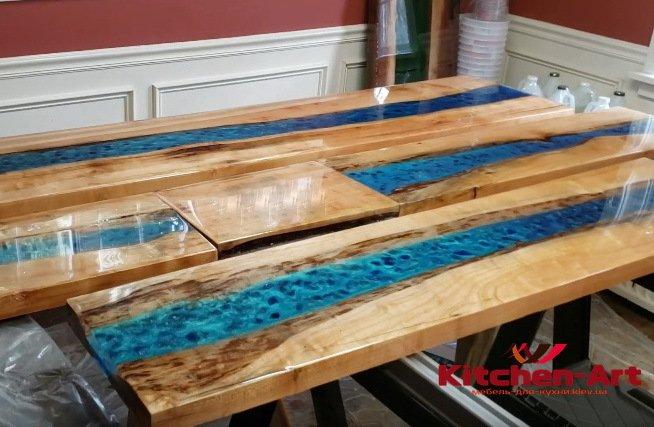 стол из эпоксидной смолы кие фото