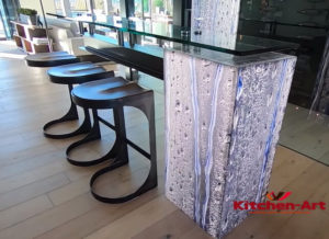 стеклянная барная стойка на заказ