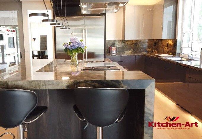 Барная стойка в кухню из искуственного камня
