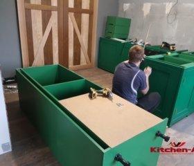 сборка зеленой кухни