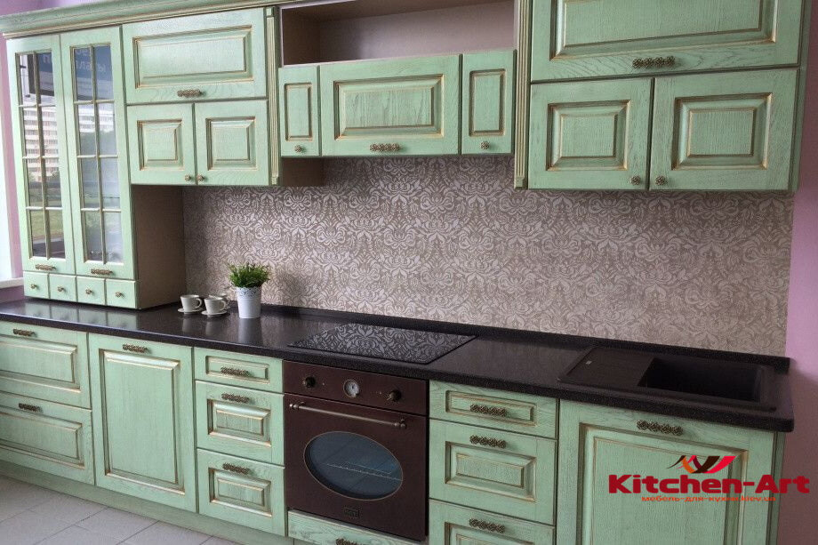 зеленая кухонная мебель