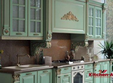 Кухня зеленая из массива дерева под заказ в Киеве