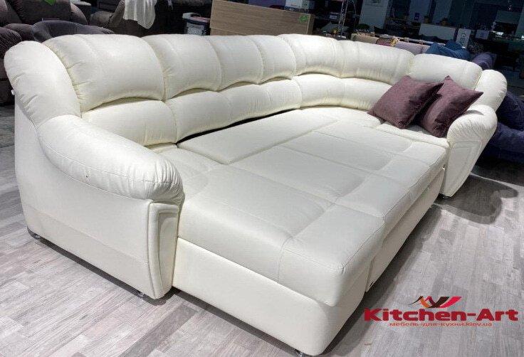 раскладной диван белого цвета со спальным местом