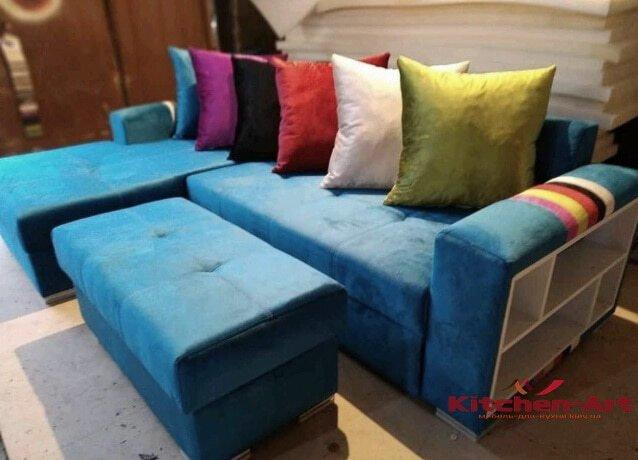 синий диван с подушками на заказ