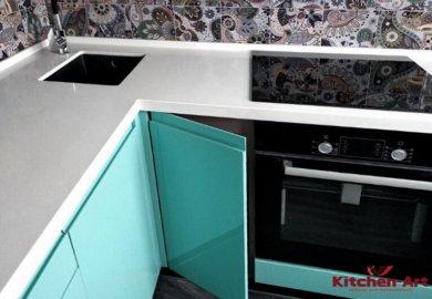 угловая кухня цвета Аквамарин на заказ