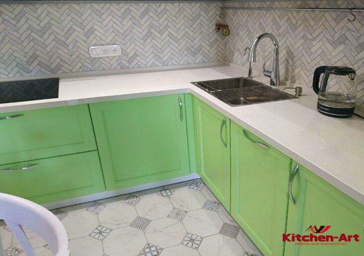 зеленая угловая кухня на заказ