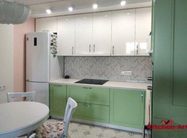 зеленая угловая кухня под закааз с кварцевой столешницей