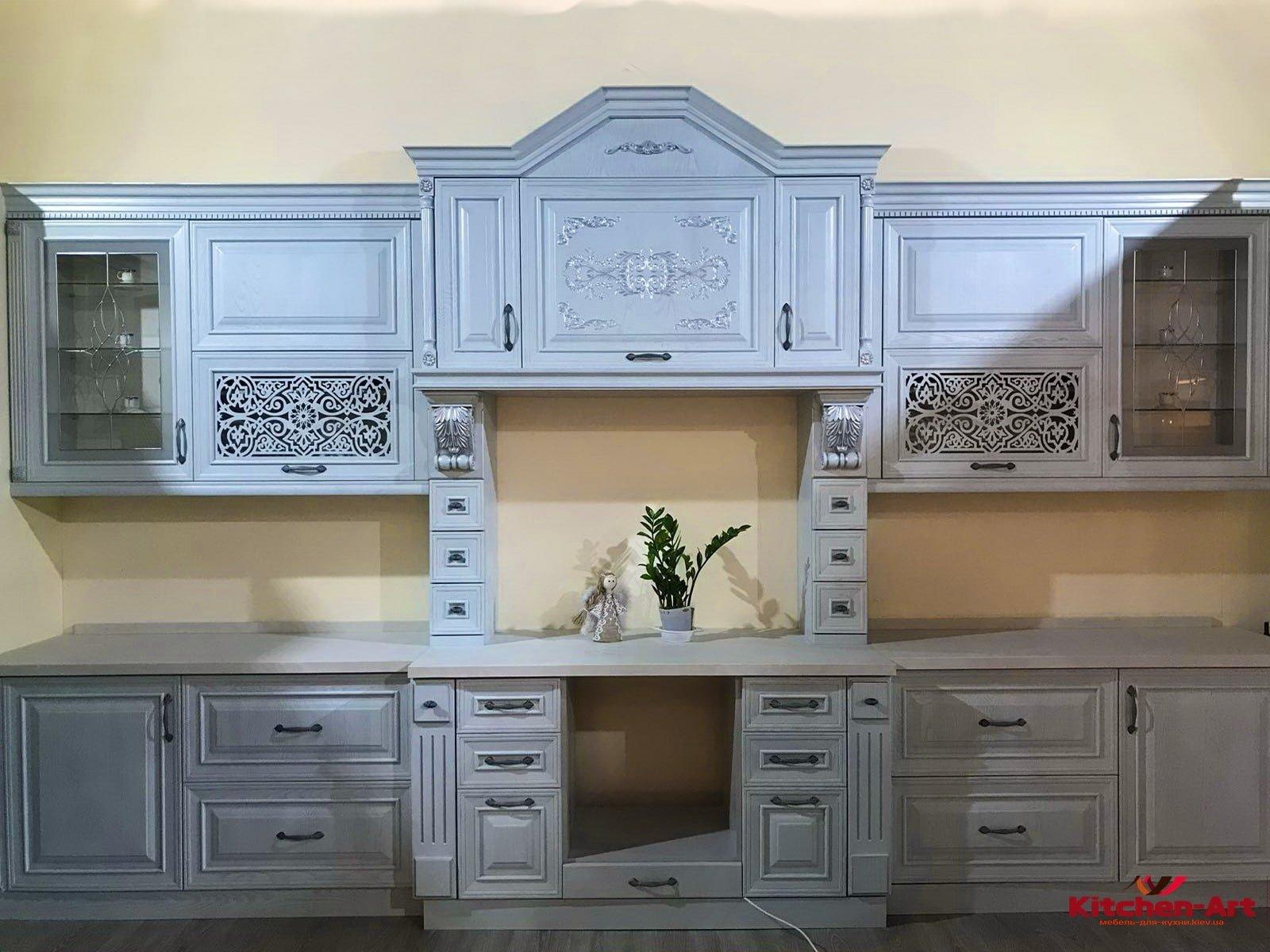 прямяая кухня в классическом стиле Киев