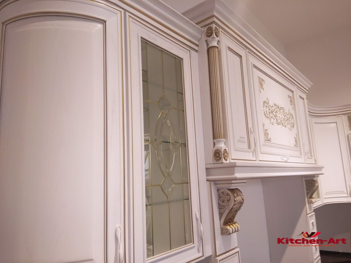 витрина классической кухни